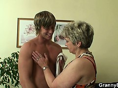 lonely-granny-gets-screwed-by-a-totally-stranger
