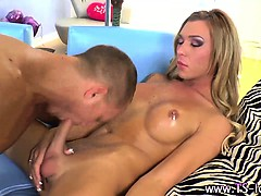 hot-tranny-blonde-hoe-gets-a-cumshot