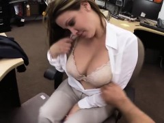 Hot babe needs cash for her plane ticket