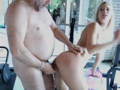lucky-older-guy-bonks-sexy-young-blonde-at-the-pool