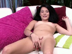 Nina Noxx Has An Excellent Body That You Love To Kiss