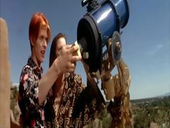 candy-clark-the-man-who-fell-to-earth