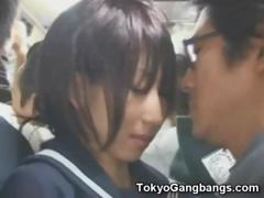 naive-schoolgirl-in-tokyo-bus