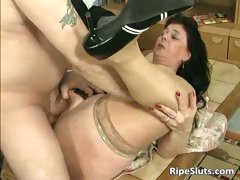 divorced-bbw-mom-with-big-tits-sucks-part1