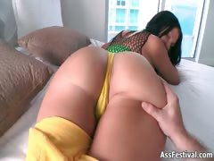 sexy-big-ass-babe-loves-showing-her-part4